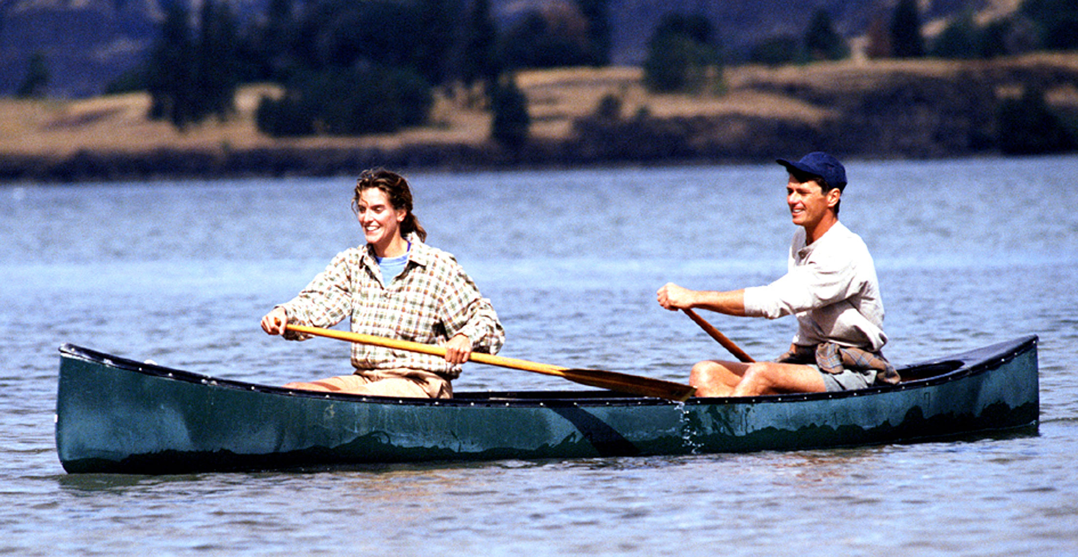 guy-girl-canoe_2w.jpg
